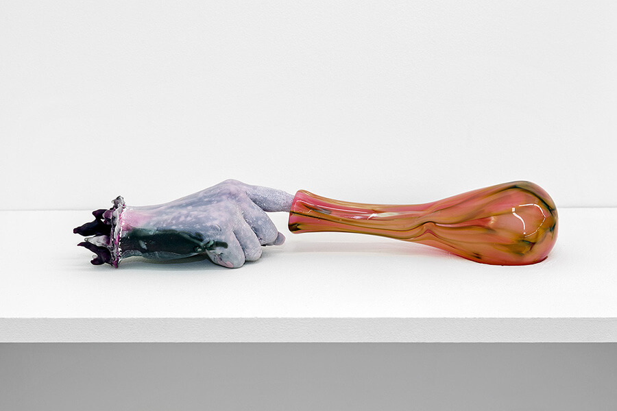 kelley-akashi-hand-sculpture-detail