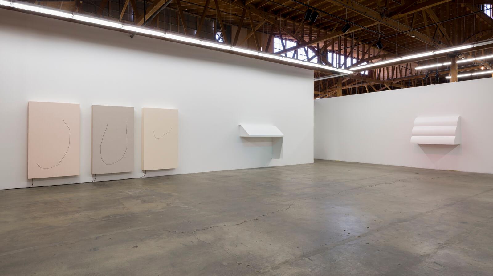 _b_davide-balula-broken-things-float-faster-installation-view-2016