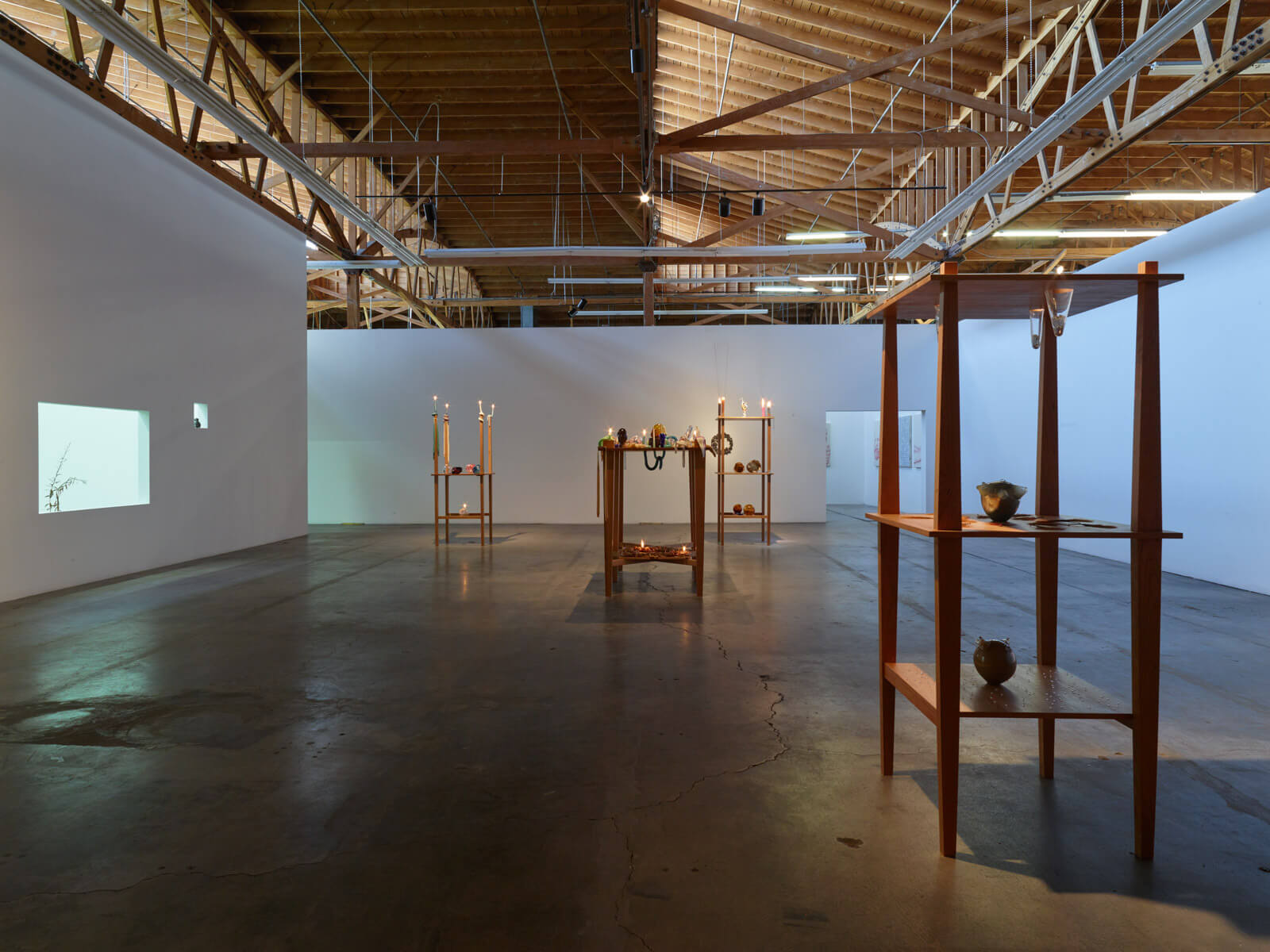 17_kelly-akashi-being-as-a-thing-installation-view