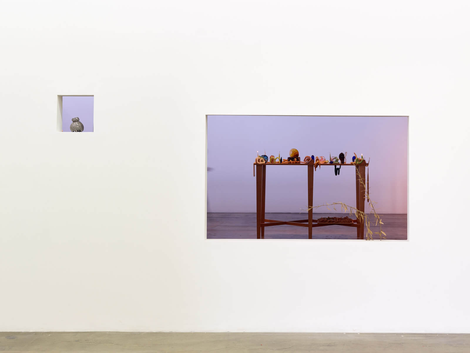 8_kelly-akashi-being-as-a-thing-installation-view