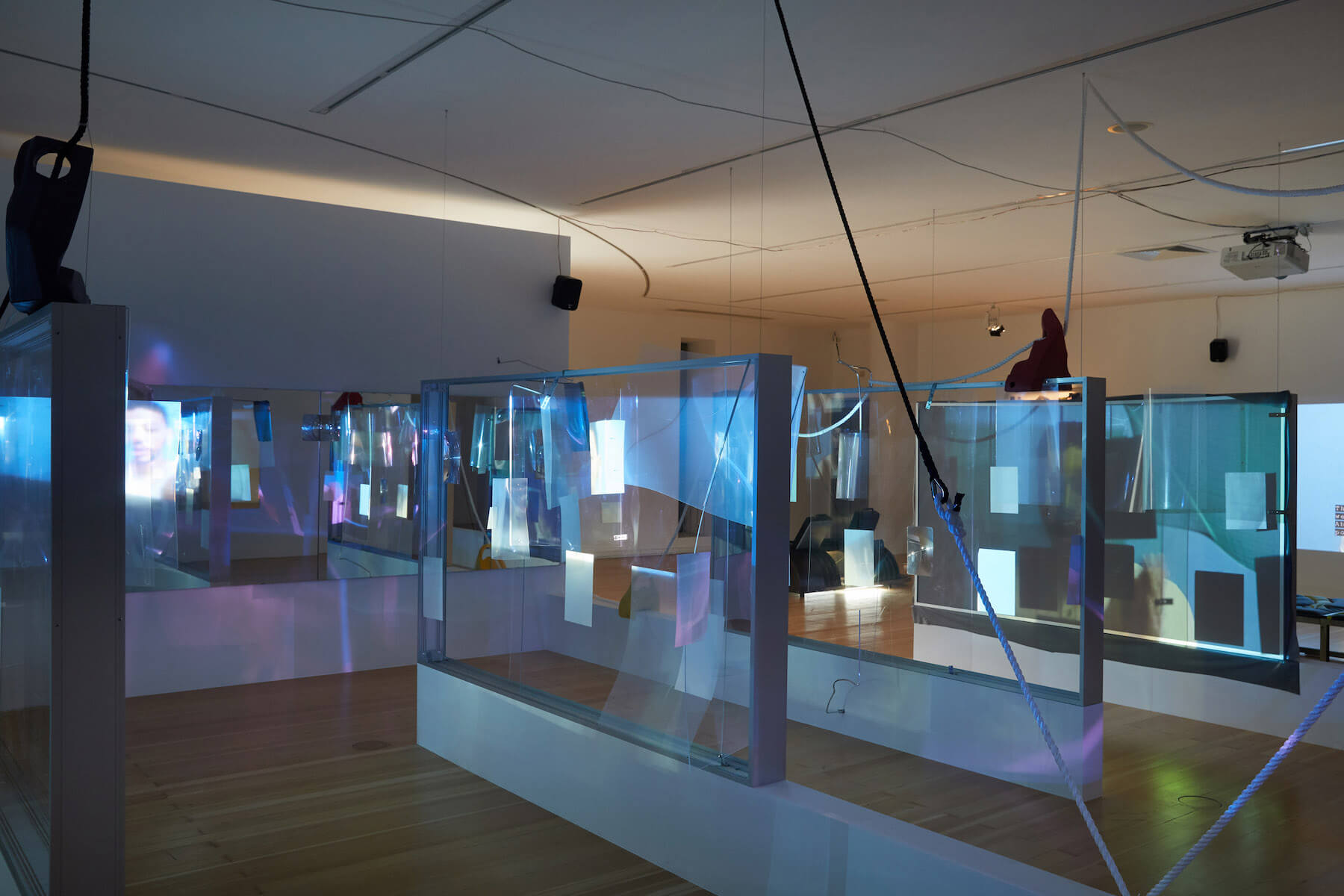 Schirn_Neil_Beloufa_Global_Agreement_Installation_View_Foto_Marc_Krause_15